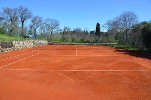 Campo da tenni terra rossa a Brescia