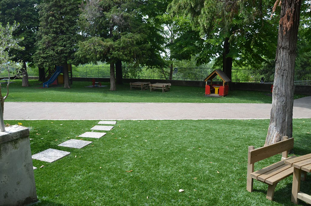 Realizzazione giardini erba sintetica a mantova brescia e verona