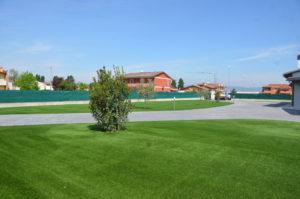 Realizzazione giardini erba sintetica mantova
